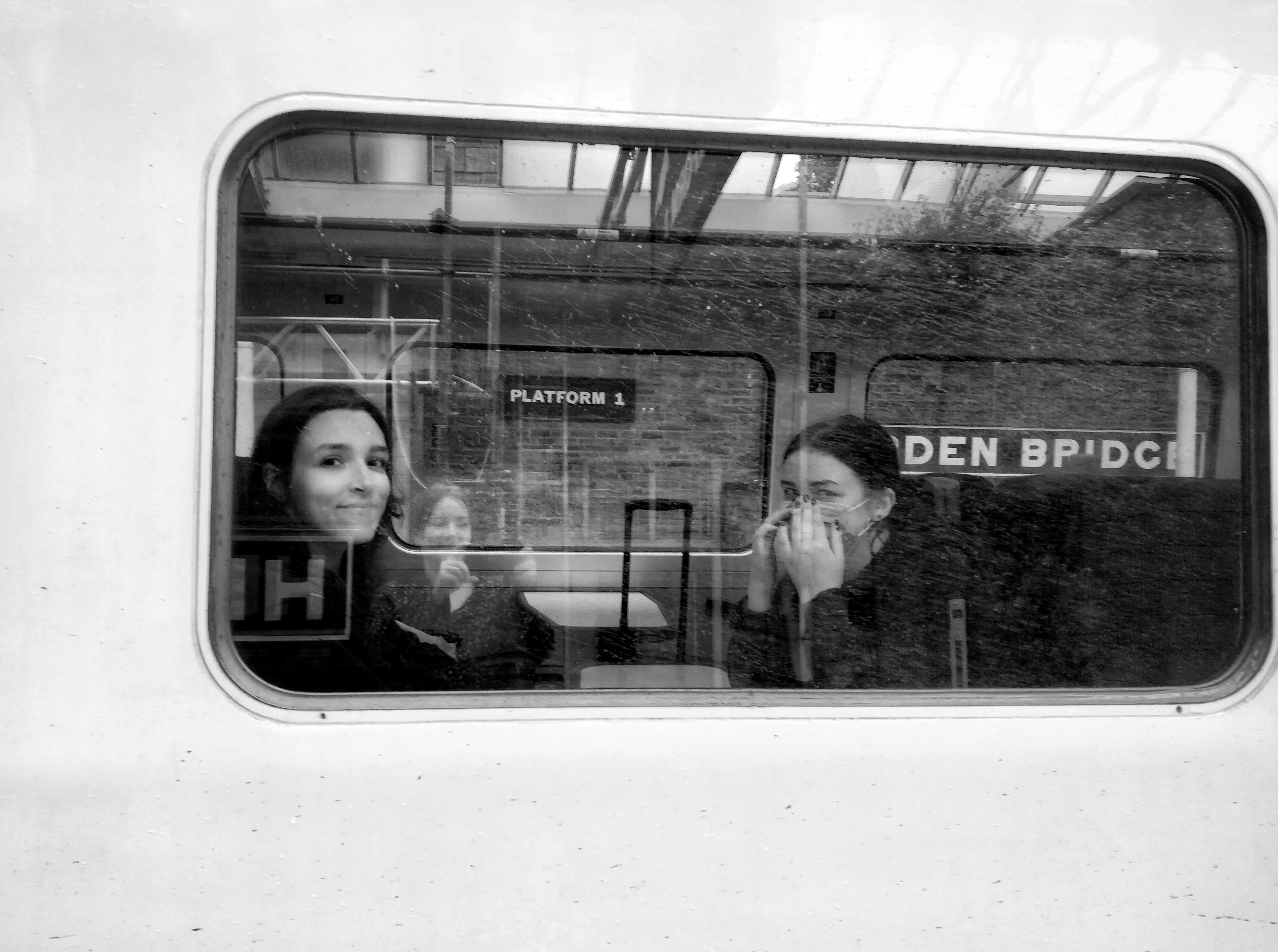 goodbye, train, station, reflection - omtanke | ello