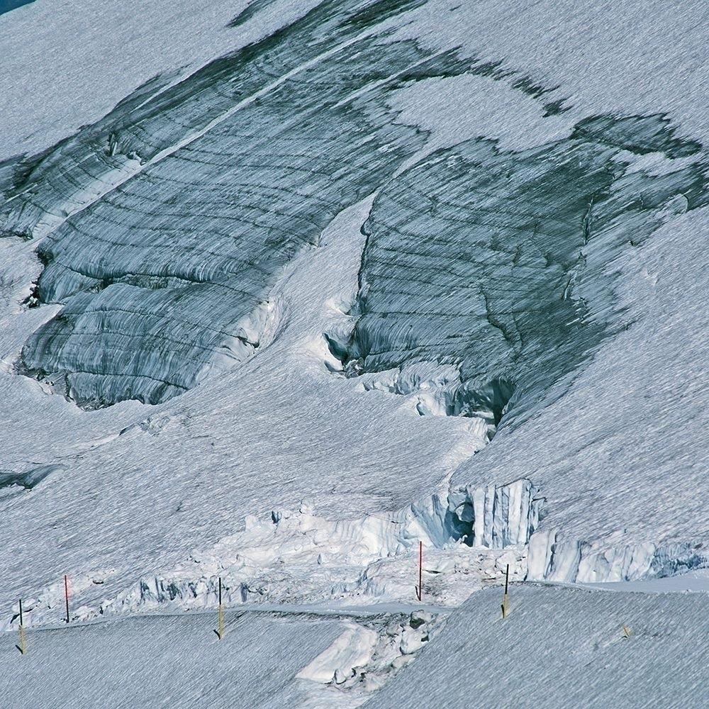 climate disaster melting glacie - schwedenwuerfel   ello