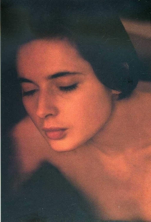 Isabella Rossellini, by Eve Arnold ~ 12795126_10204296687337823_8328130152458968978_o