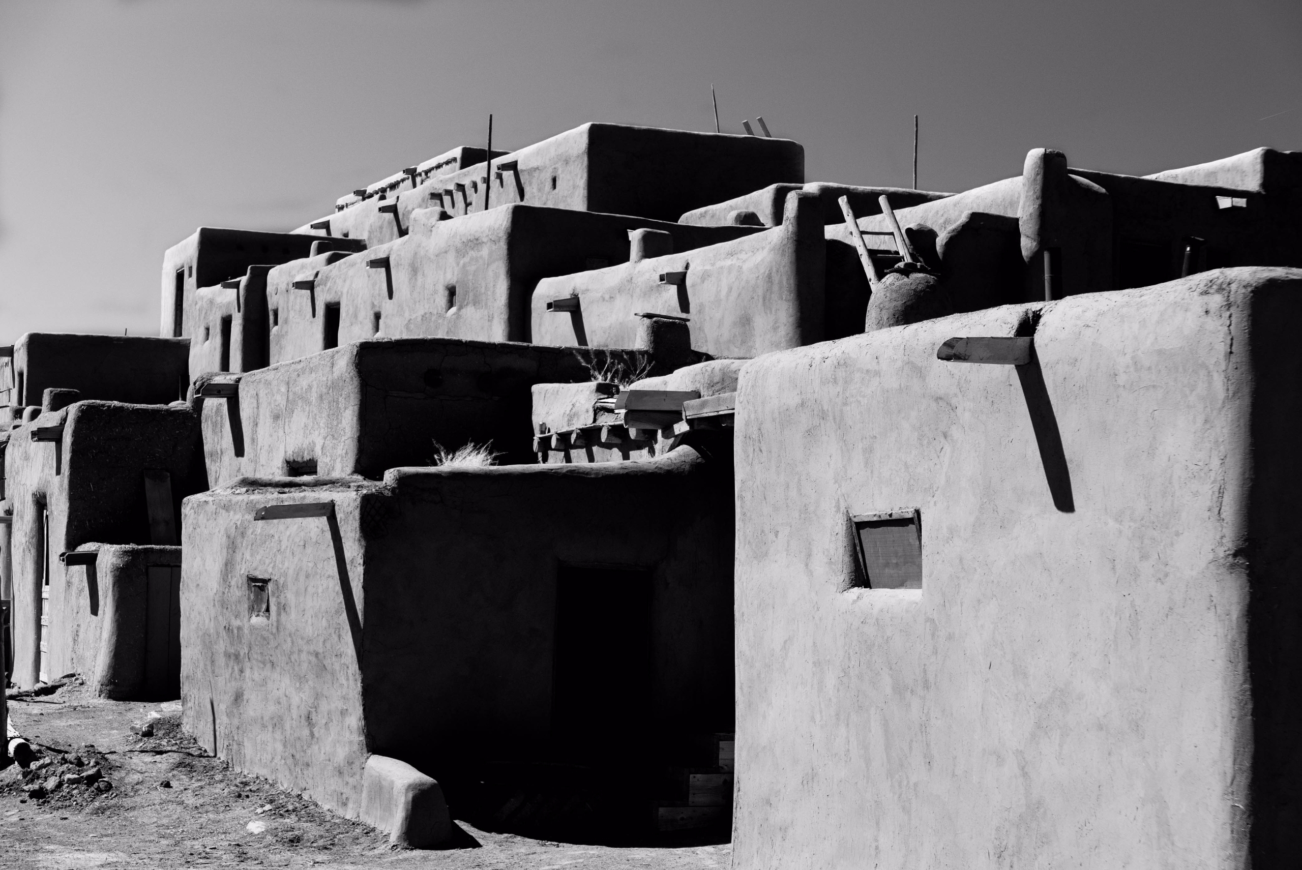 Taos Pueblo Nr.1 ancient pueblo - junwin | ello