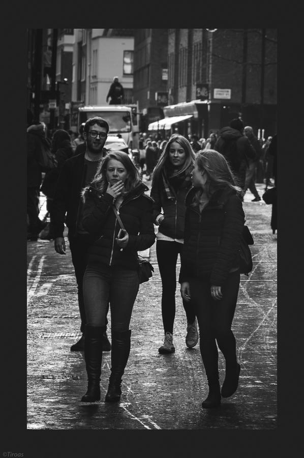 - Monochrome, Dark, People, City - tiroas | ello