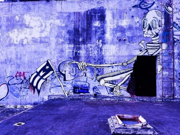 left colony flag. (Ponce, PR - photography - jrendon | ello