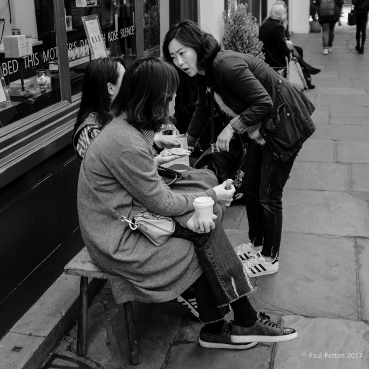 Tourists, Covent Garden Street  - paulperton | ello