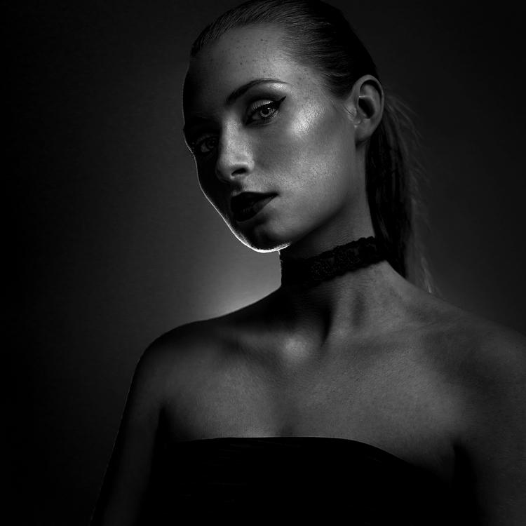 Photographer:Julia Dunin Model - darkbeautymag | ello