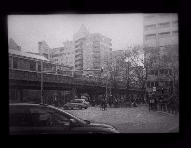 Berlin Kreuzberg. Kodak 7222 - shotonfilm - stikka   ello