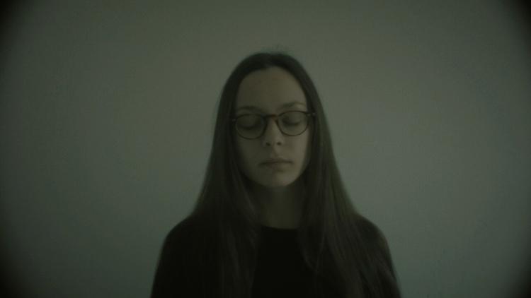Music video premiere: Ich bin H - pianoandcoffee   ello