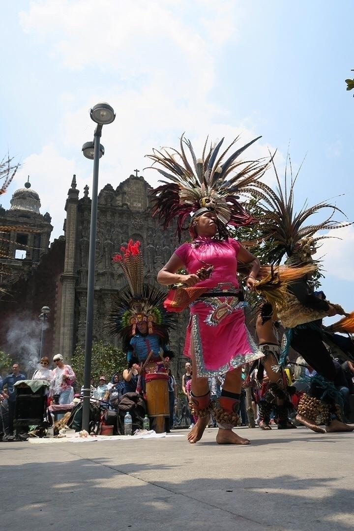 Dancing - mexicocity, mexico, talltreesofmexicocity - helliongallery | ello