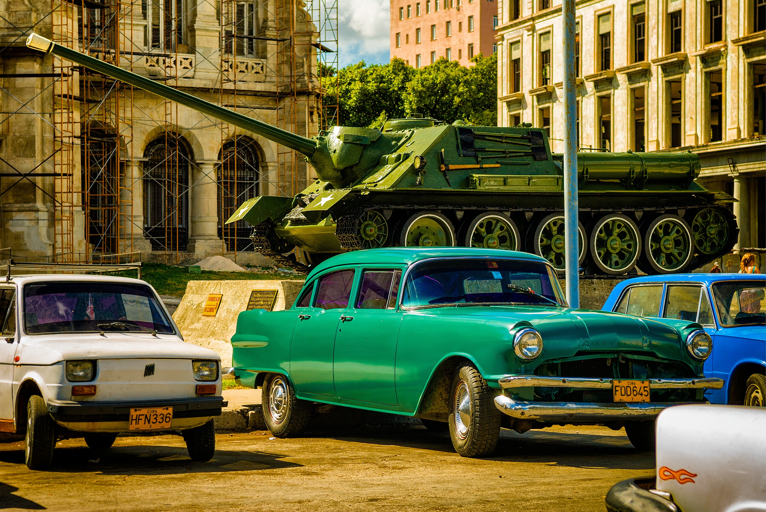 big green machines - Habana, Cuba - christofkessemeier | ello