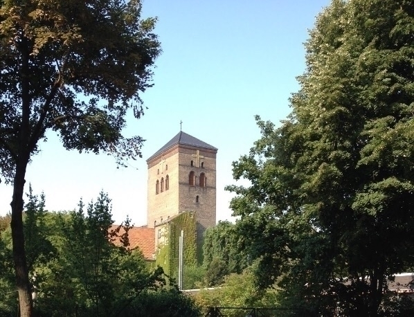 church Berlin-Neukölln - alohmi   ello