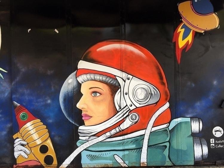 doctores, spacewoman, mexicocity - helliongallery | ello