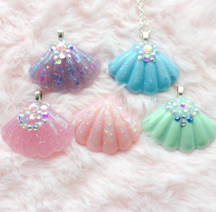 pendants, glitter scattered hou - curioustoot | ello