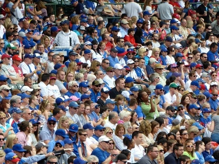 Chicago Cubs Fans- Wrigley Fiel - marksusina   ello