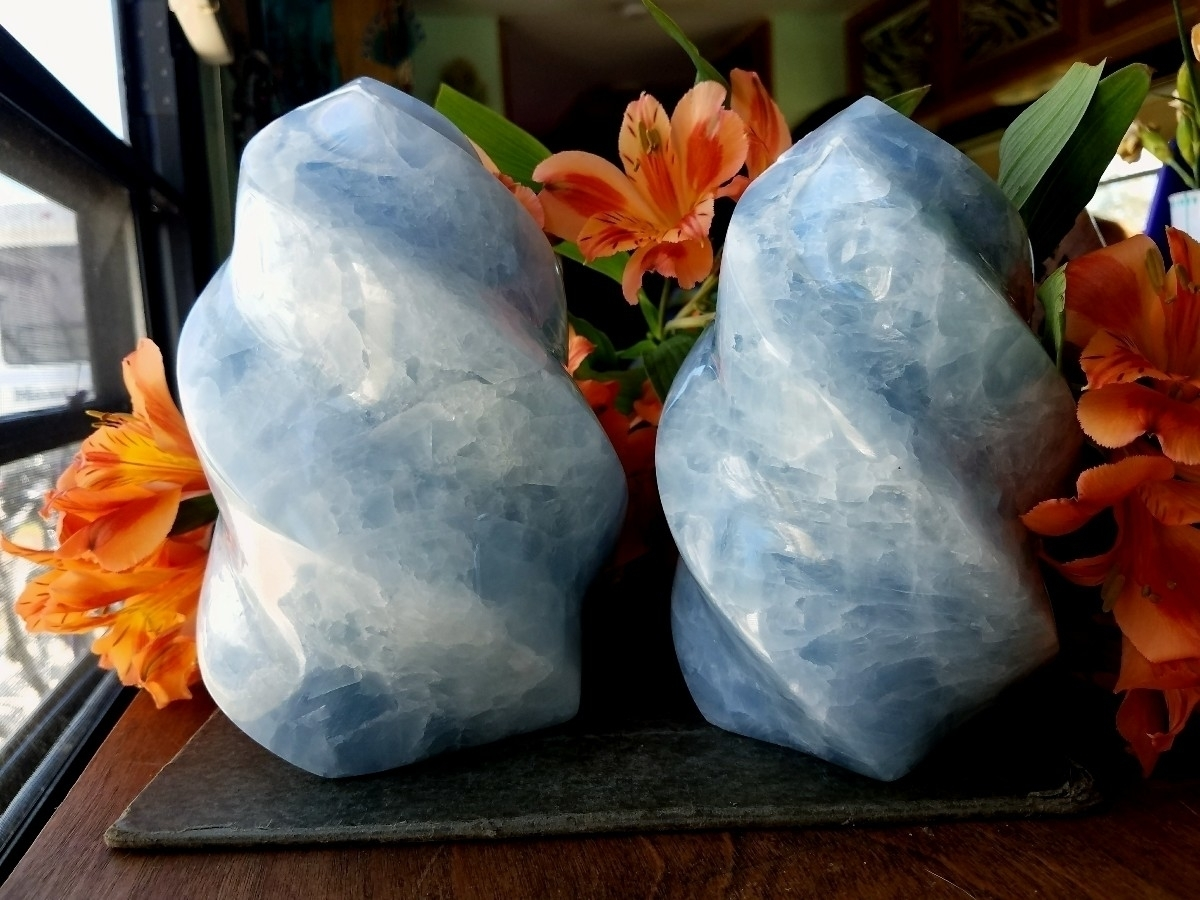 4 Blue Calcite Unicorn Horns ad - sacreddivination | ello