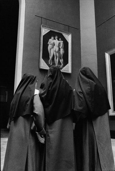 Louvre ... nuns black habit nud - lolosbri   ello