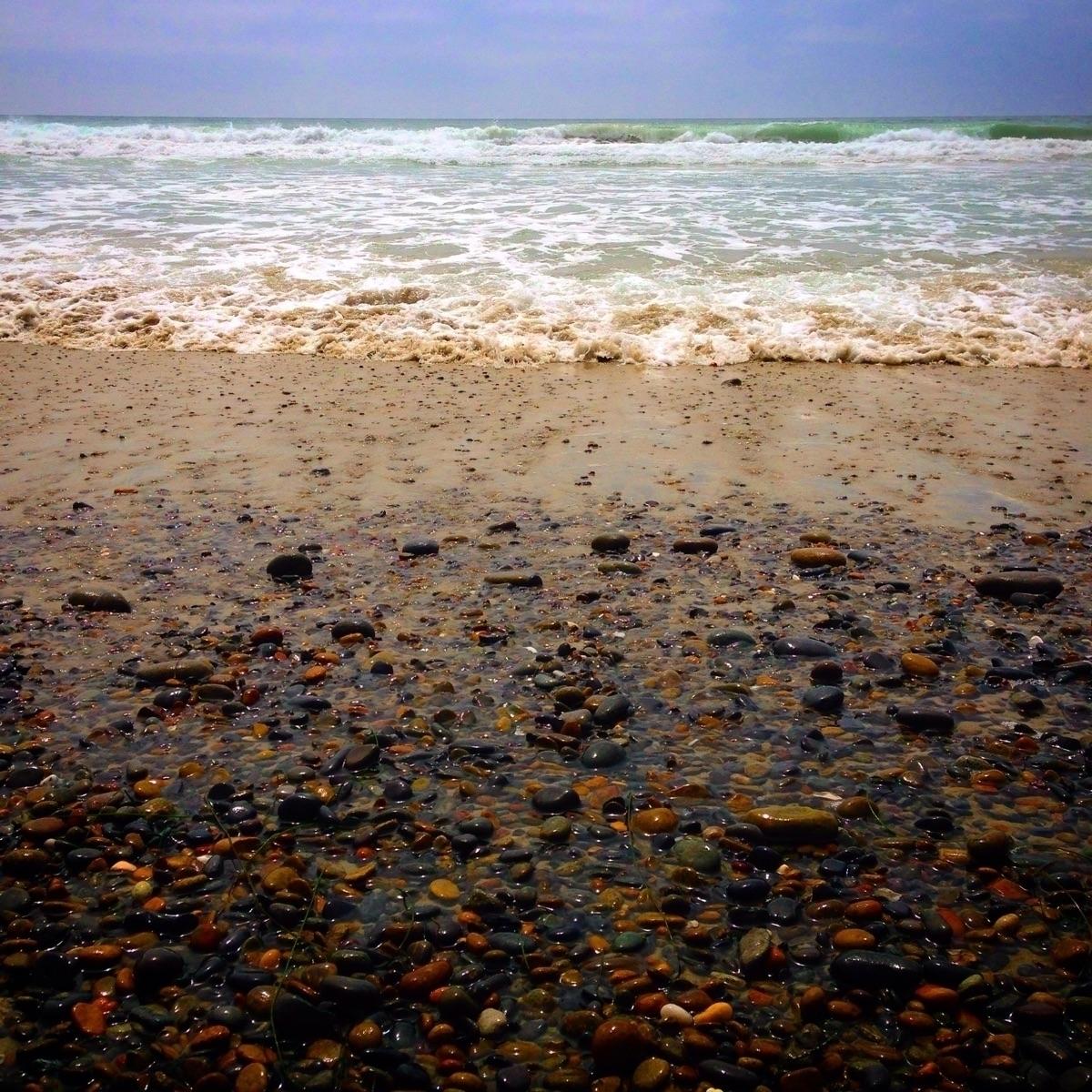 turbulent wave life recede, lea - alexgzarate | ello