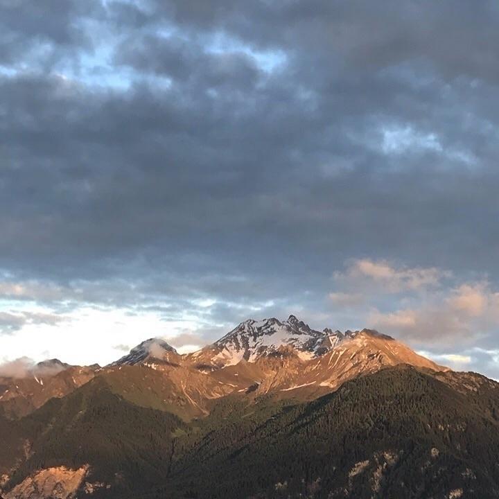 Mountains, Switzerland, Lenzerheide - frau_w | ello