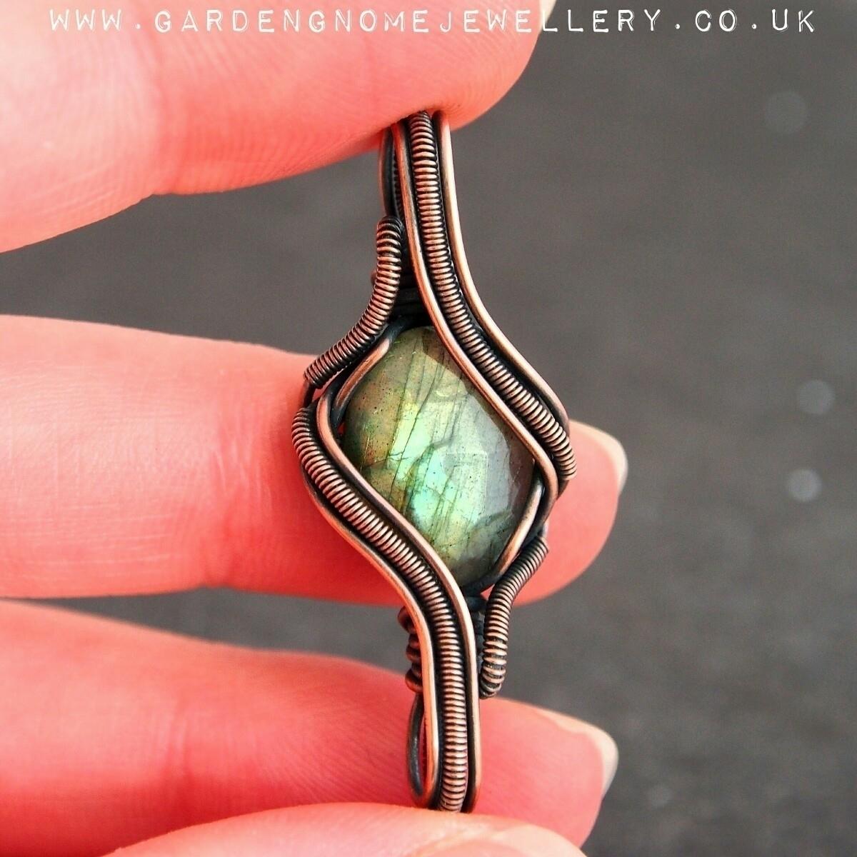 Find lovely labradorite piece s - gardengnomejewellery | ello