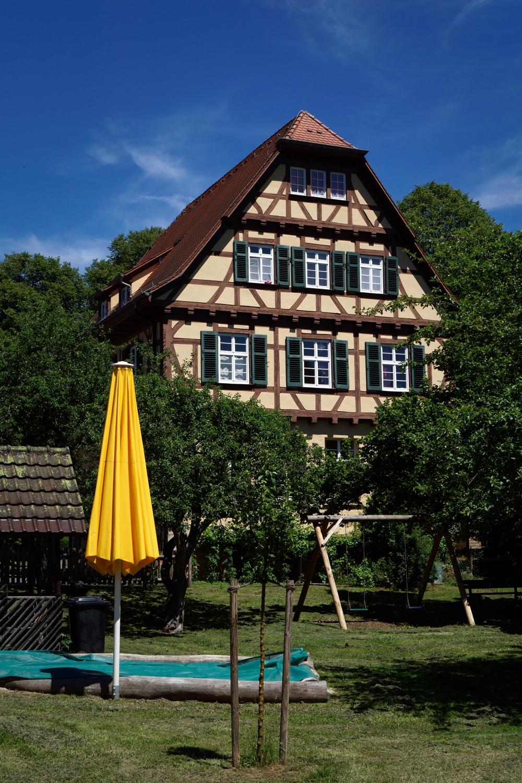Yellow Brello - photography, architecture - marcushammerschmitt | ello