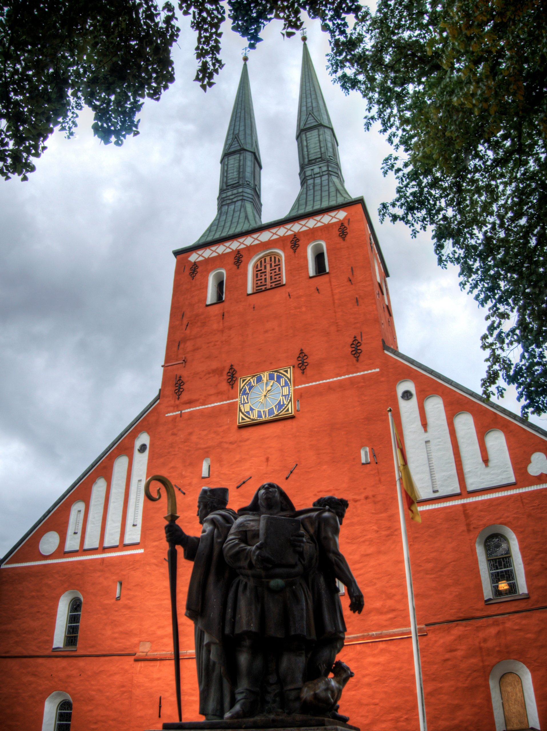 Vaxjo Cathedral - Vaxjo, Sweden - neilhoward   ello