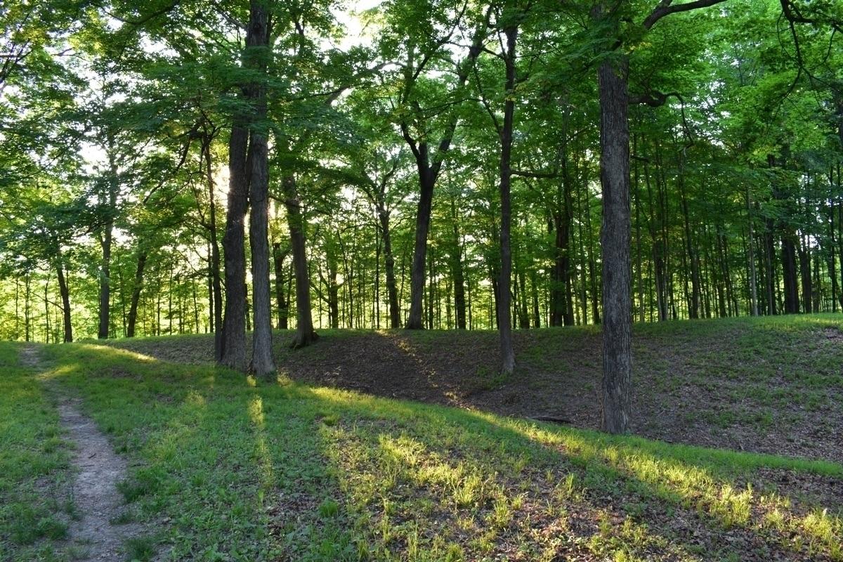 Circle Mound Mounds State Park - pictorific | ello