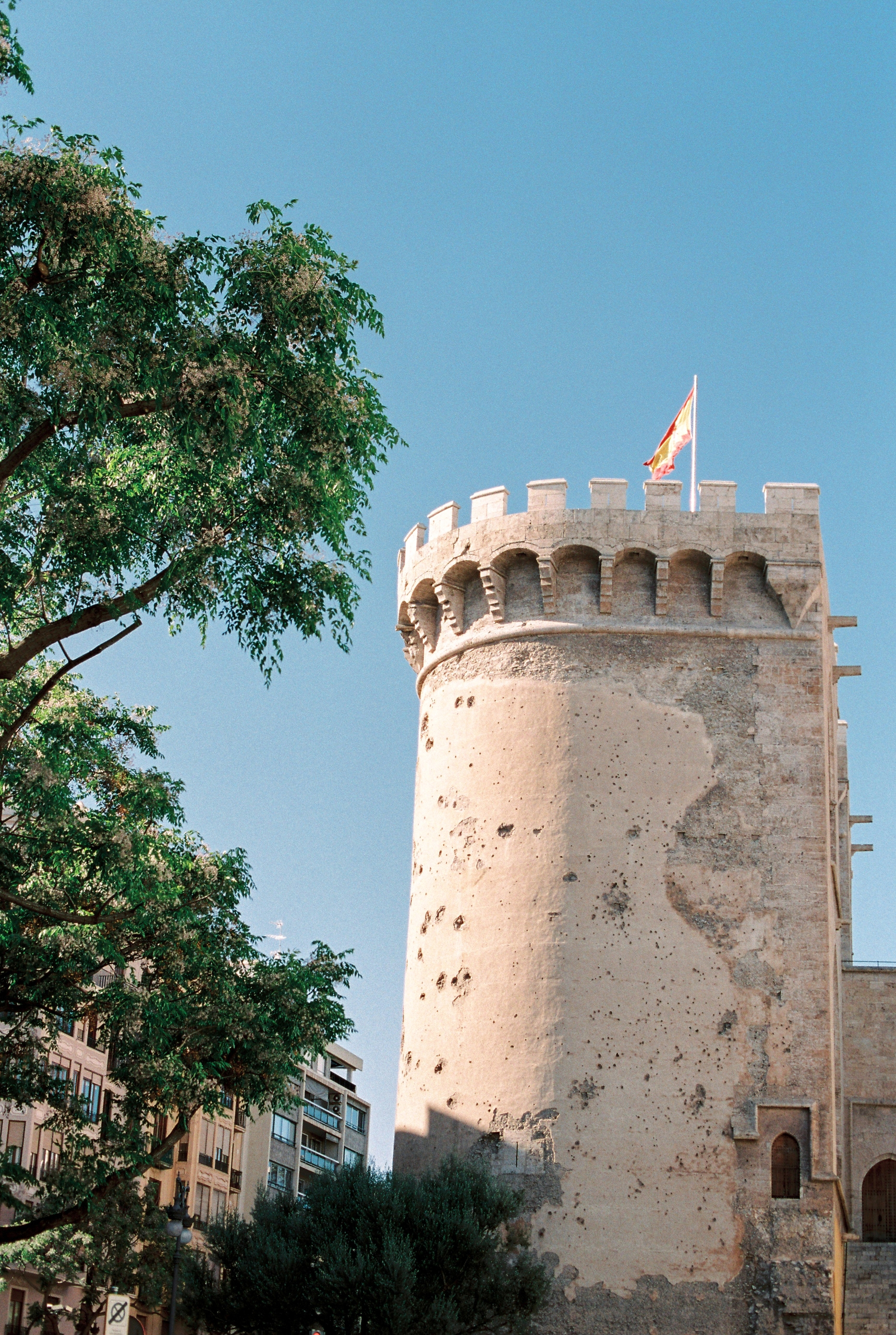 Spain takes forts Shot Canon 1v - michelleamock | ello