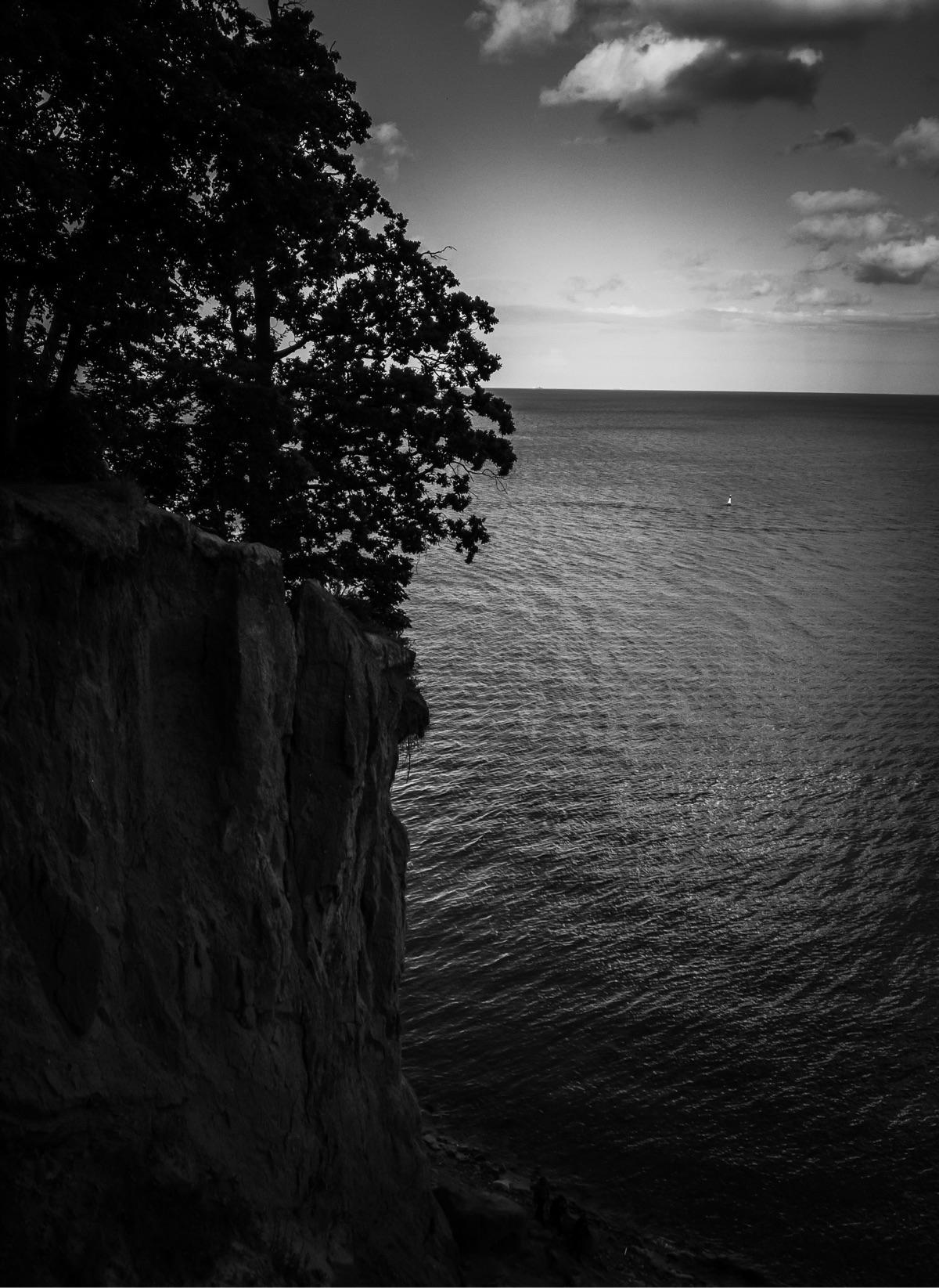 Baltic sea - amateur, iphone, black_and_white - motyl   ello
