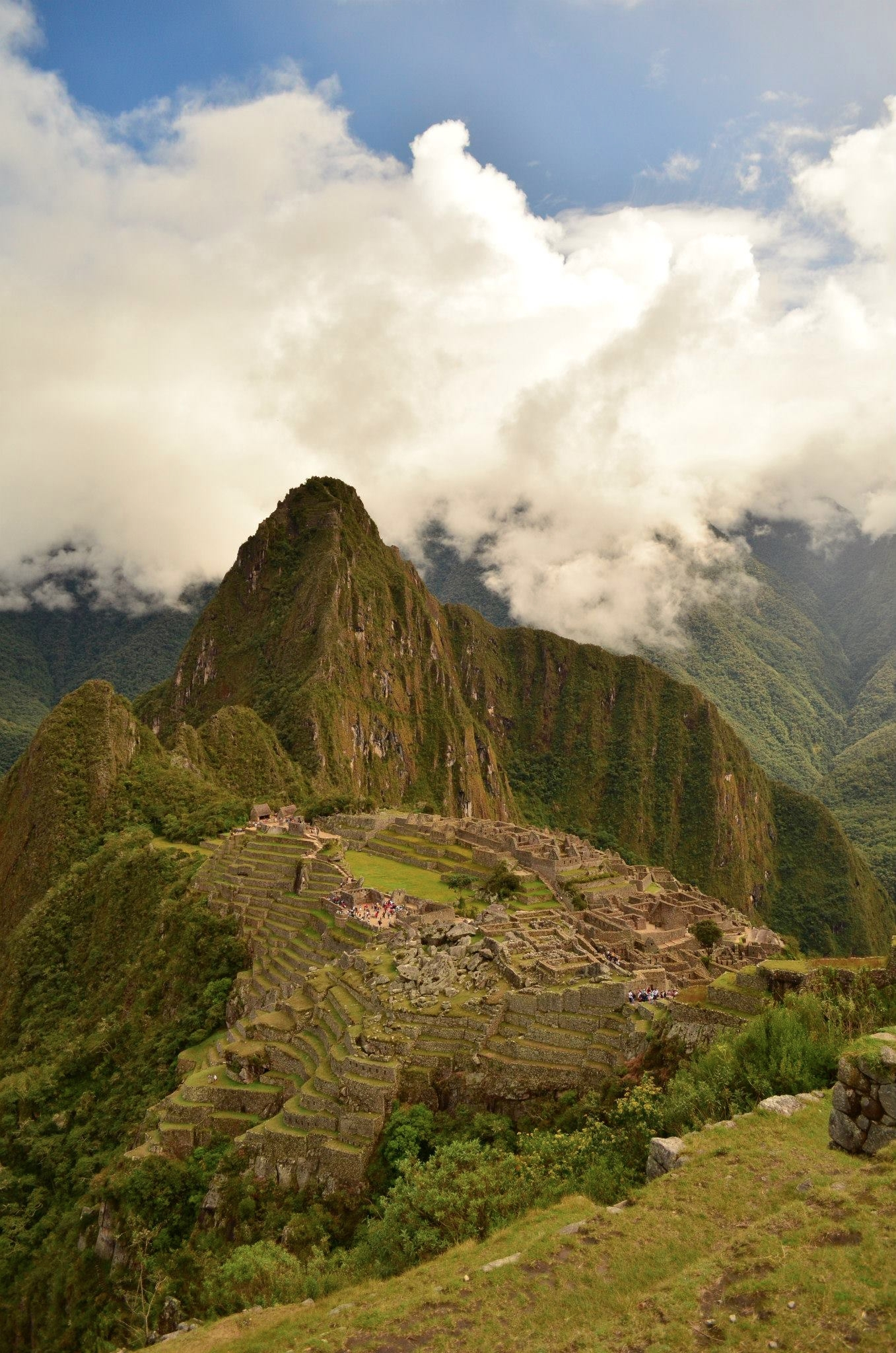 lucky weather Machu Picchu. rai - locart   ello