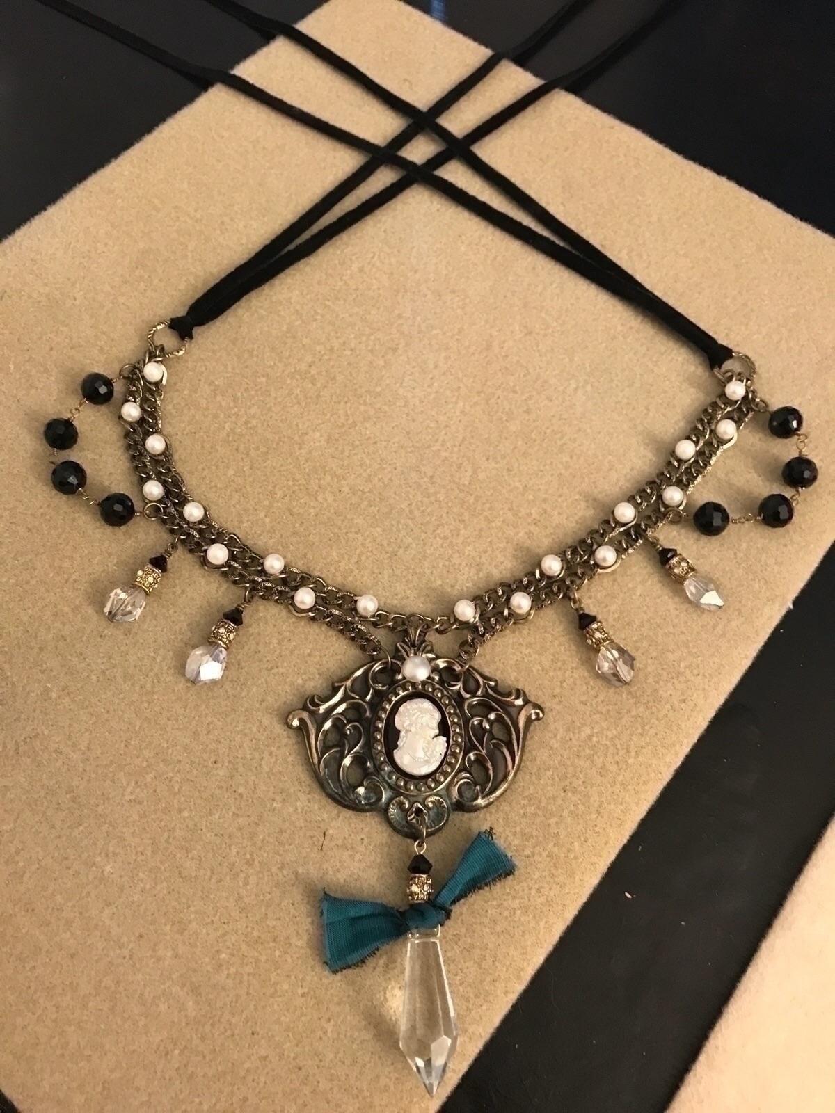 Coronation. pendant drawer pull - lilolainspired | ello