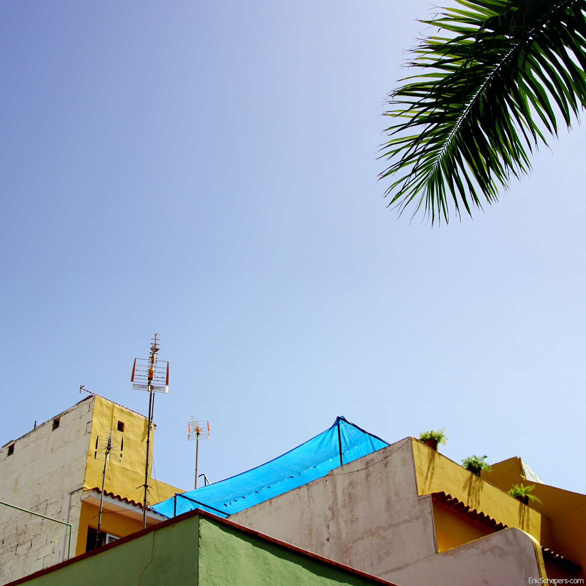 Blue Tarp Tenerife, Puerto de l - erik_schepers   ello