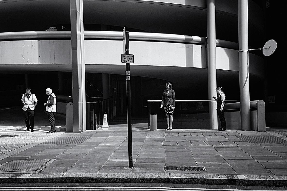 Waiting day. break - streetphotography - mauriliers | ello