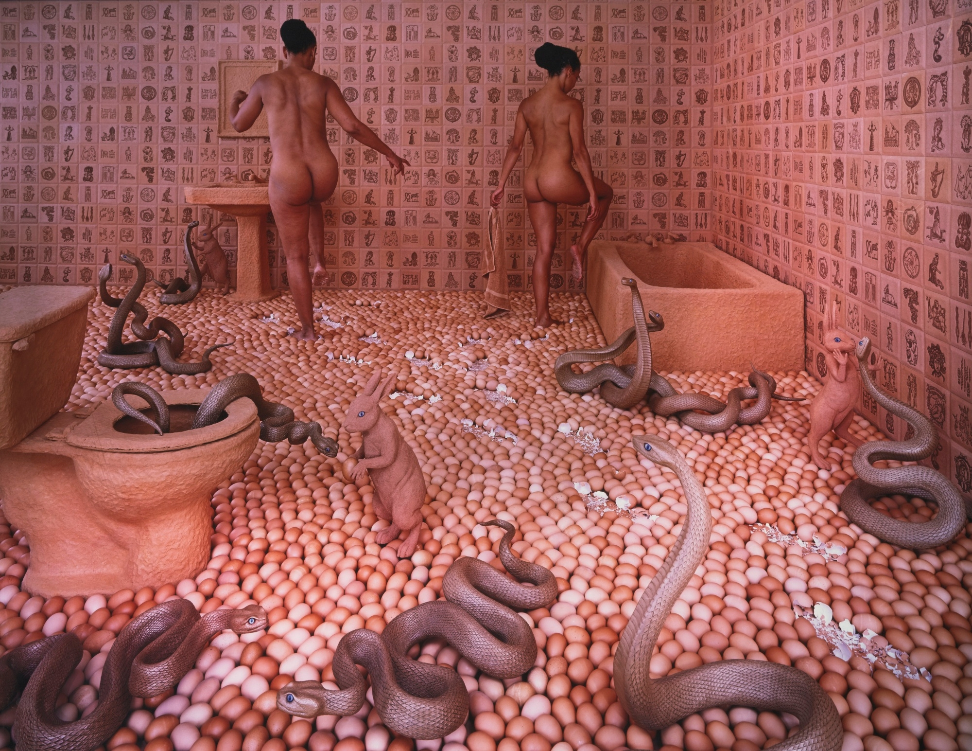 Sandy Skoglund, WALKING EGGSHEL - son | ello