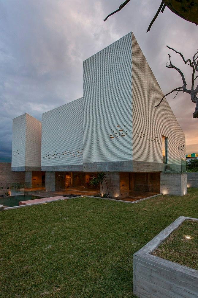 Datri Dasa House - architecture - paulearly | ello