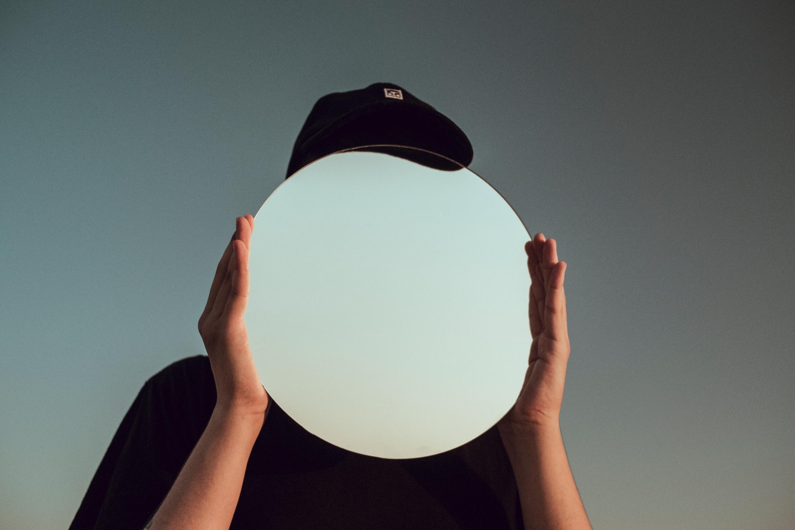 invisible - bensusi | ello