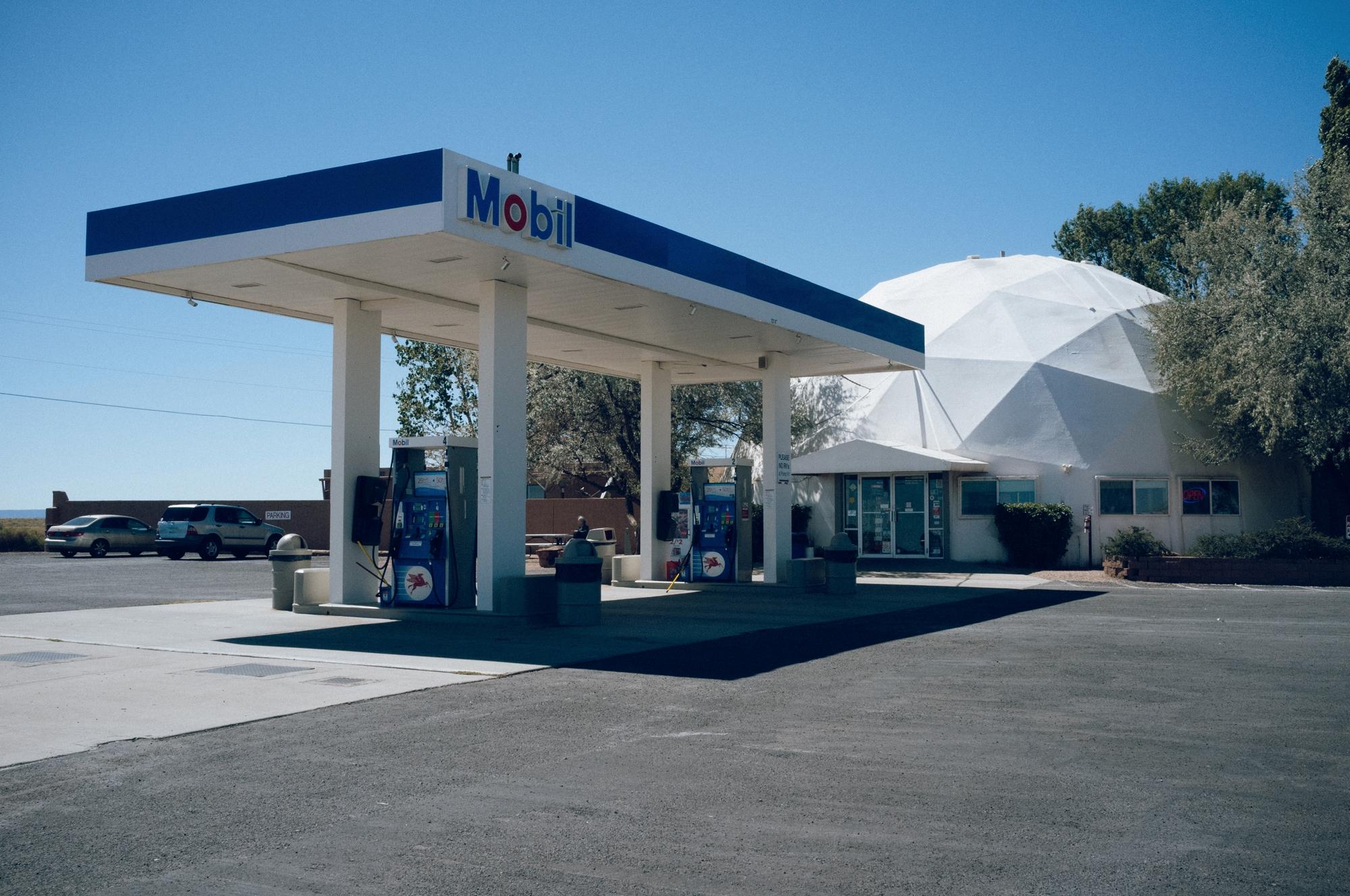 coolest gas station Arizona - X100 - lucian | ello