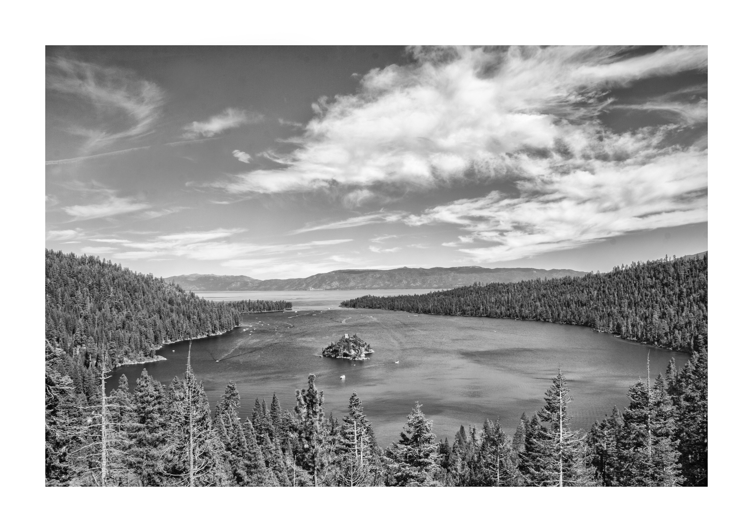 Esmerald Bay, Lake Tahoe, CA - guillermoalvarez   ello