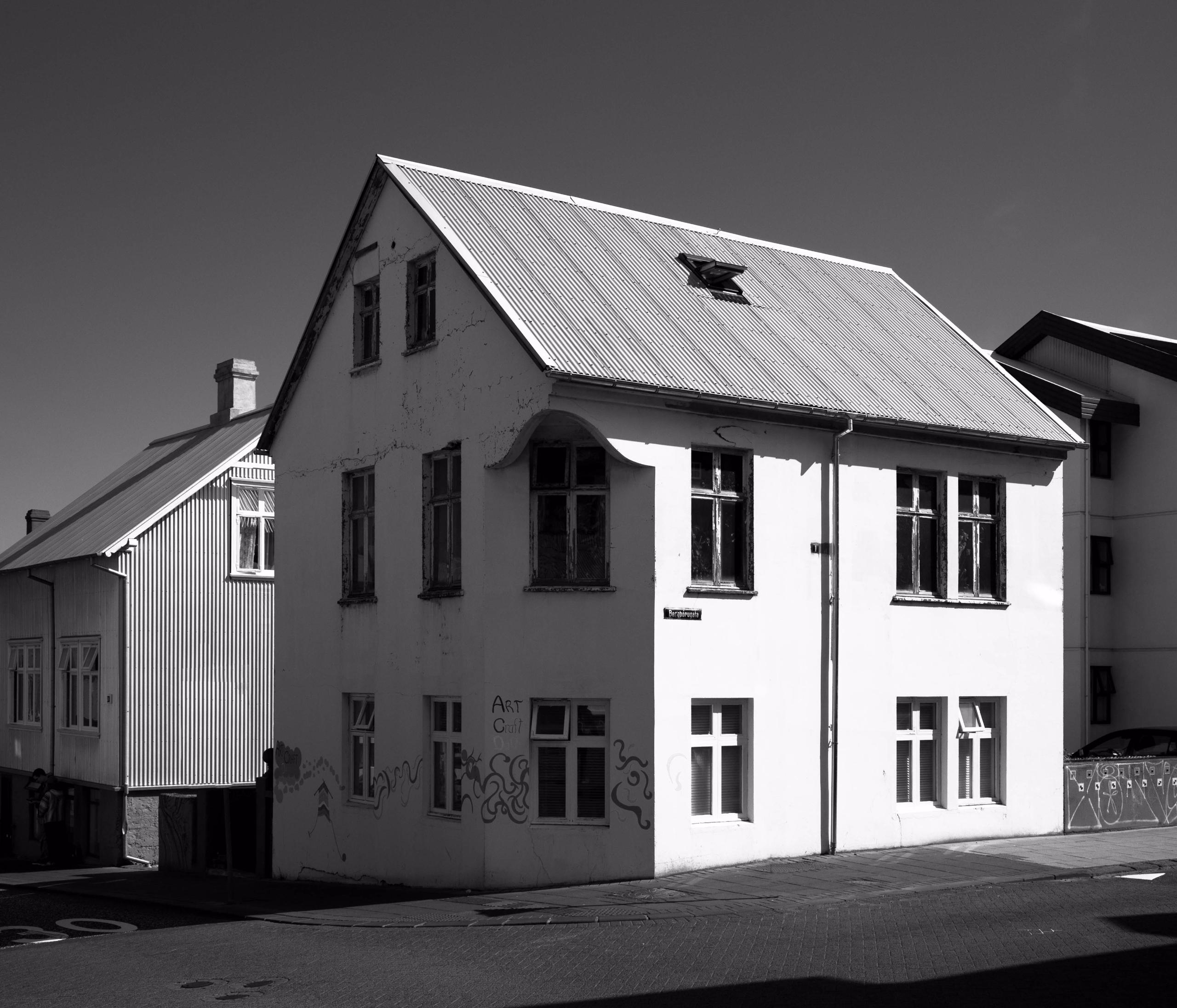 Reykjavik house bergþórugata ht - junwin | ello