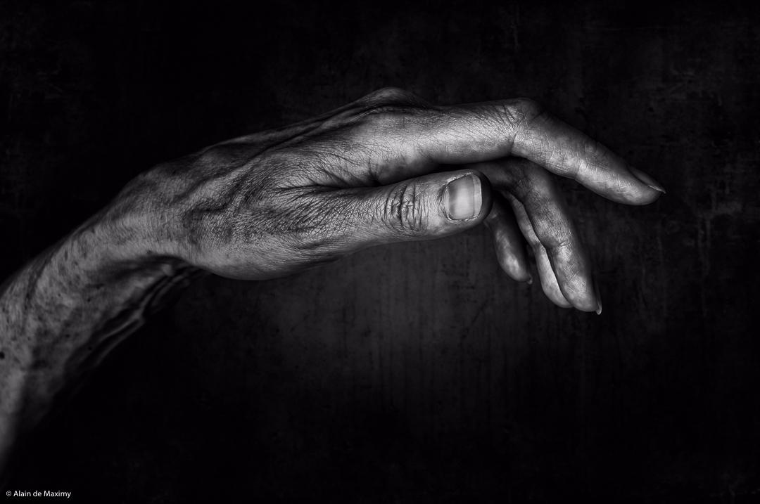 Hand - blackandwhite, photography - maximy | ello