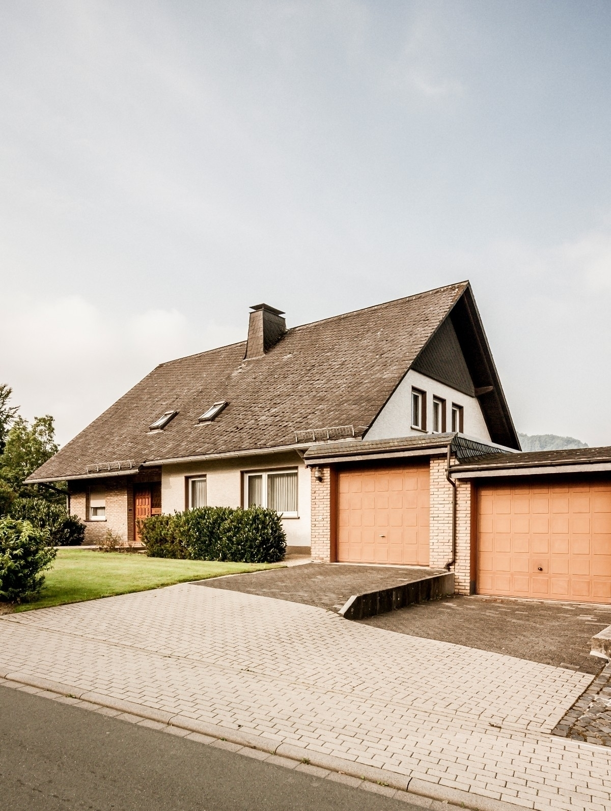 - German suburbia check full st - andreboettcher | ello