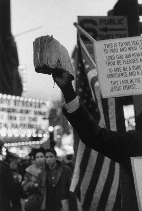 Robert Frank: Times Square, 195 - arthurboehm | ello