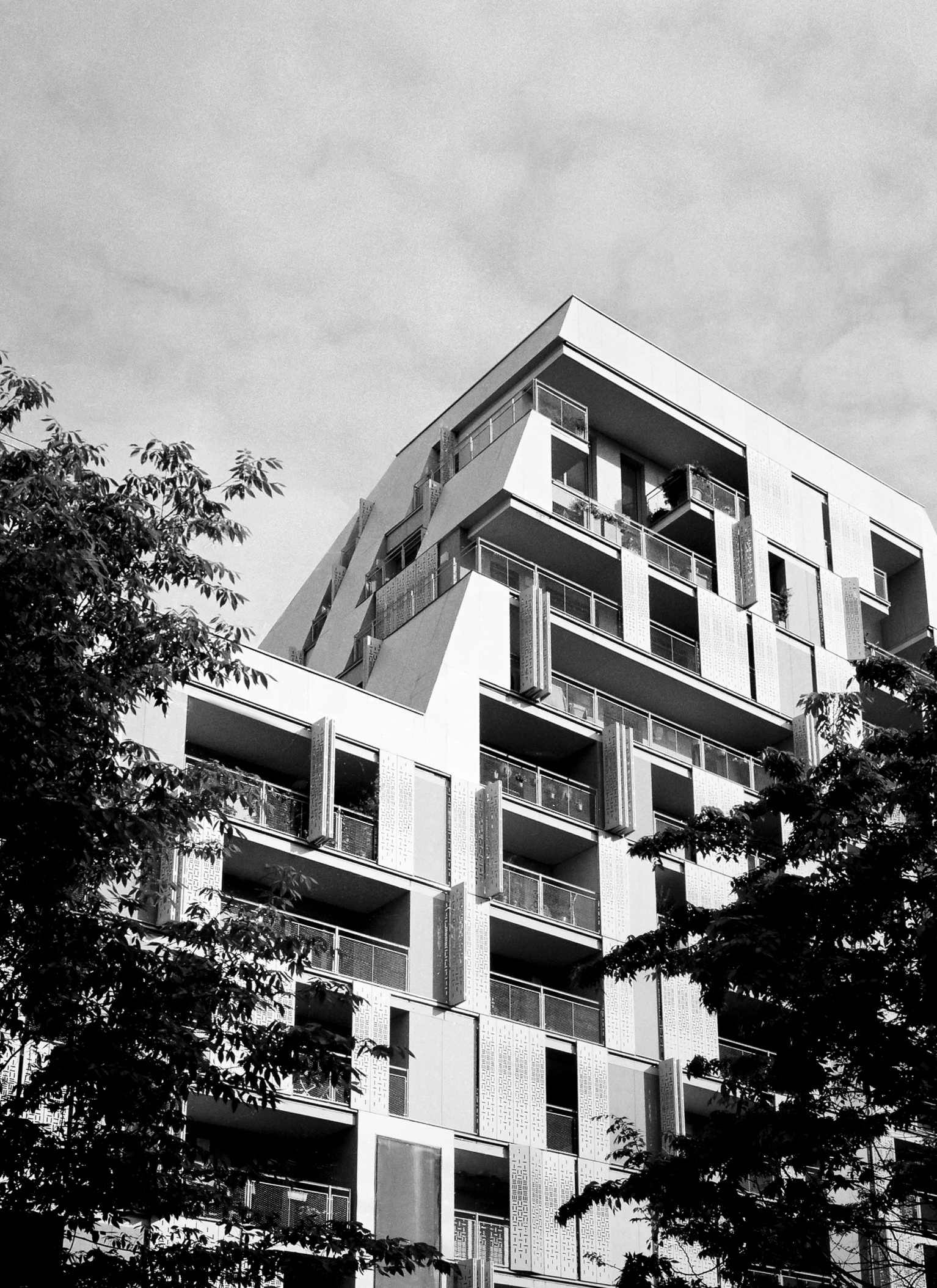 Architecture / Paris, Batignoll - j_cortie   ello