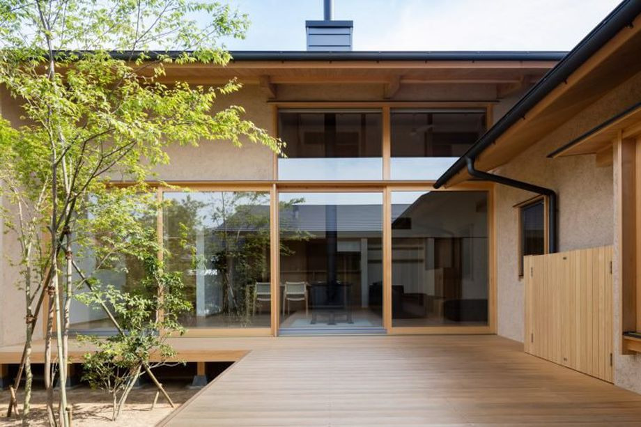Japanese courtyard house case s - red_wolf | ello