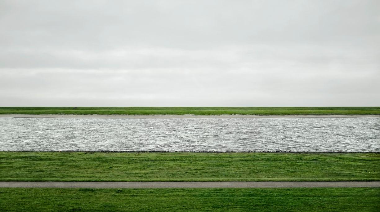 Andreas Gursky photograph chang - helka   ello