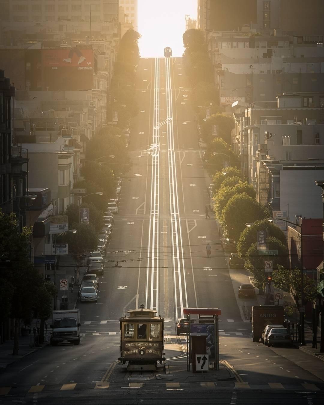 Magic morning light San Francis - mindzeye | ello