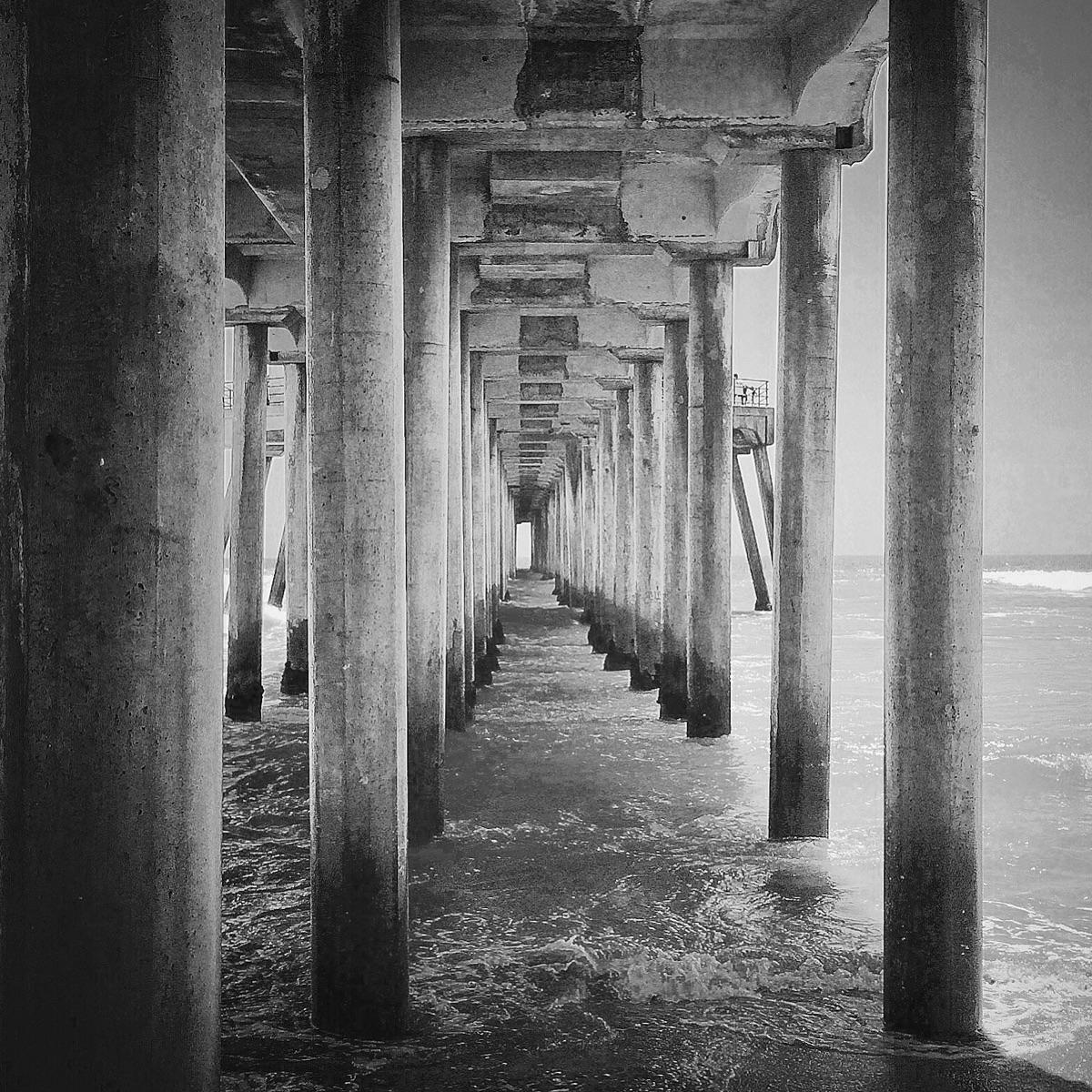 ... HB pier - photography, blackandwhite - j-stu   ello