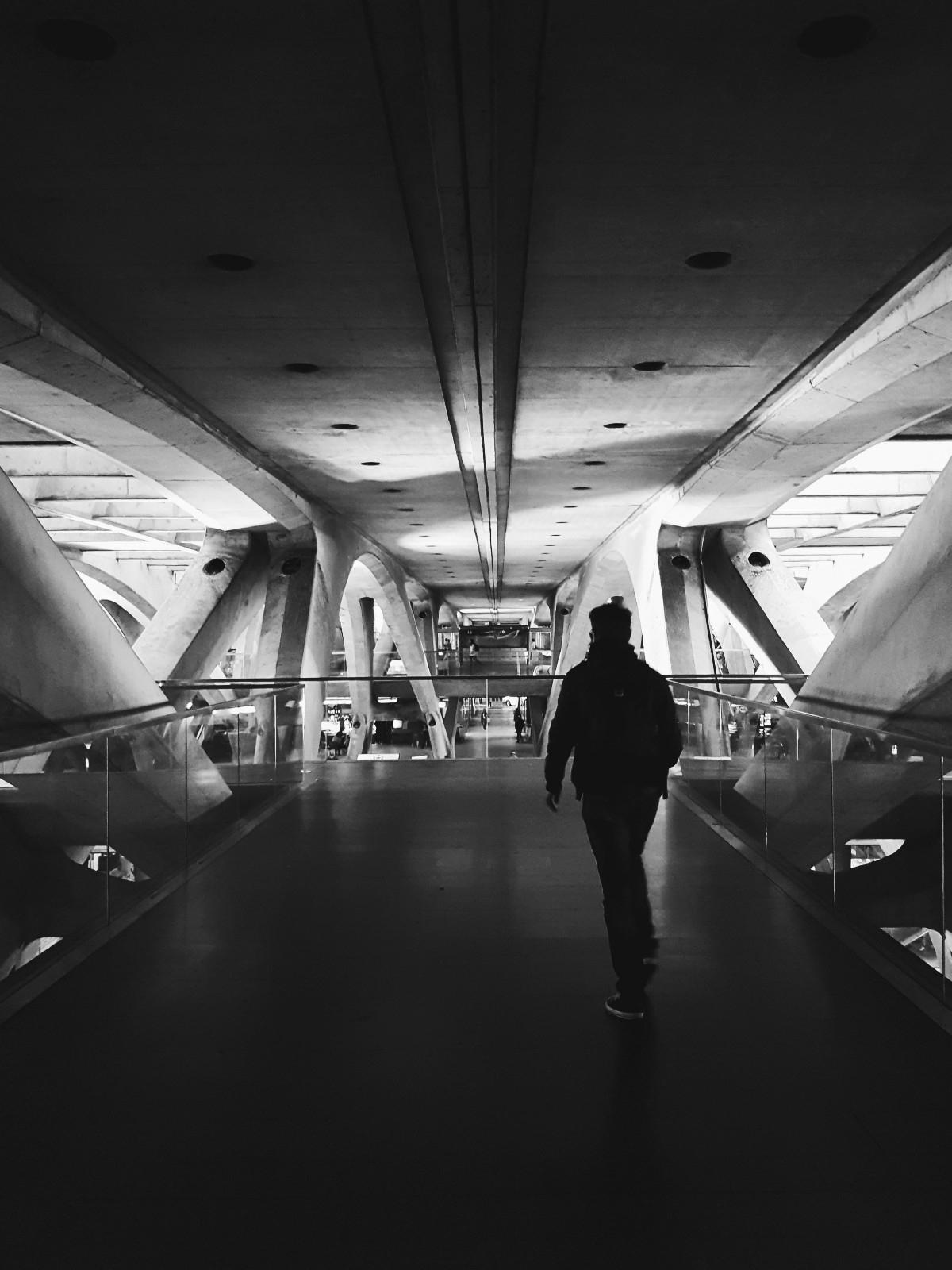 Lisbon-Oriente Station - elloportugal - typhzorz | ello