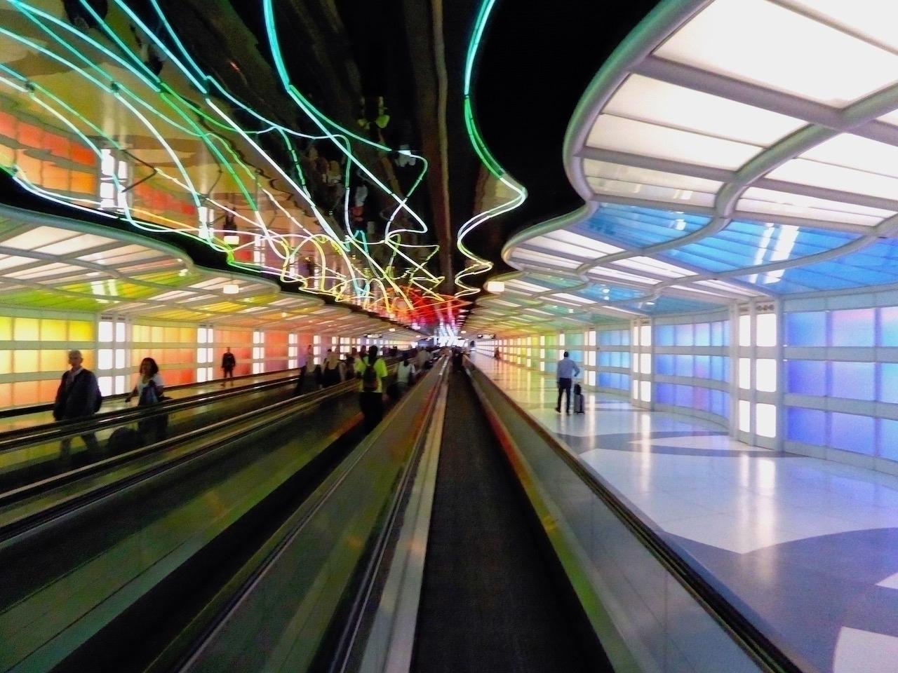 Airport   Chicago 2017 Photo-Bl - thomgollas   ello