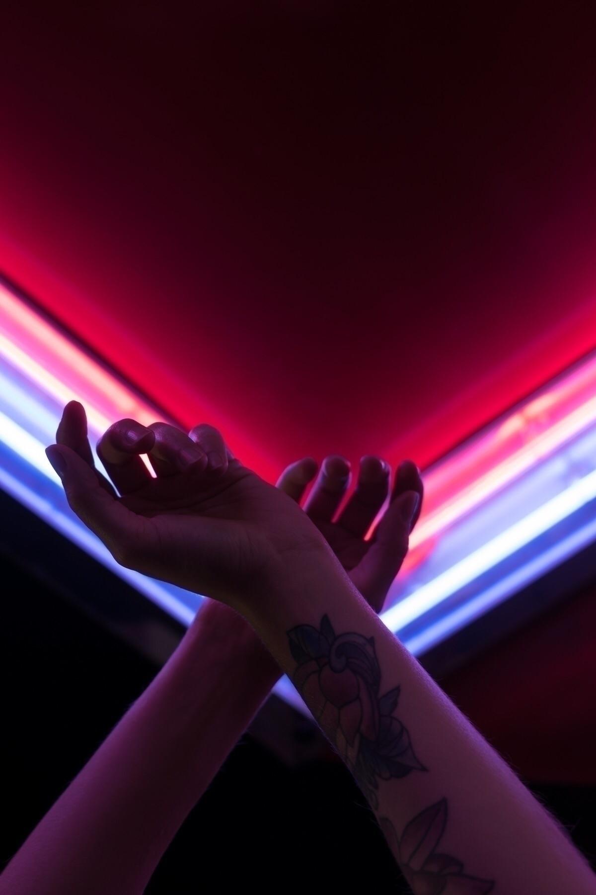 funfair, neon, lights, city, photography - oliviermorisse | ello