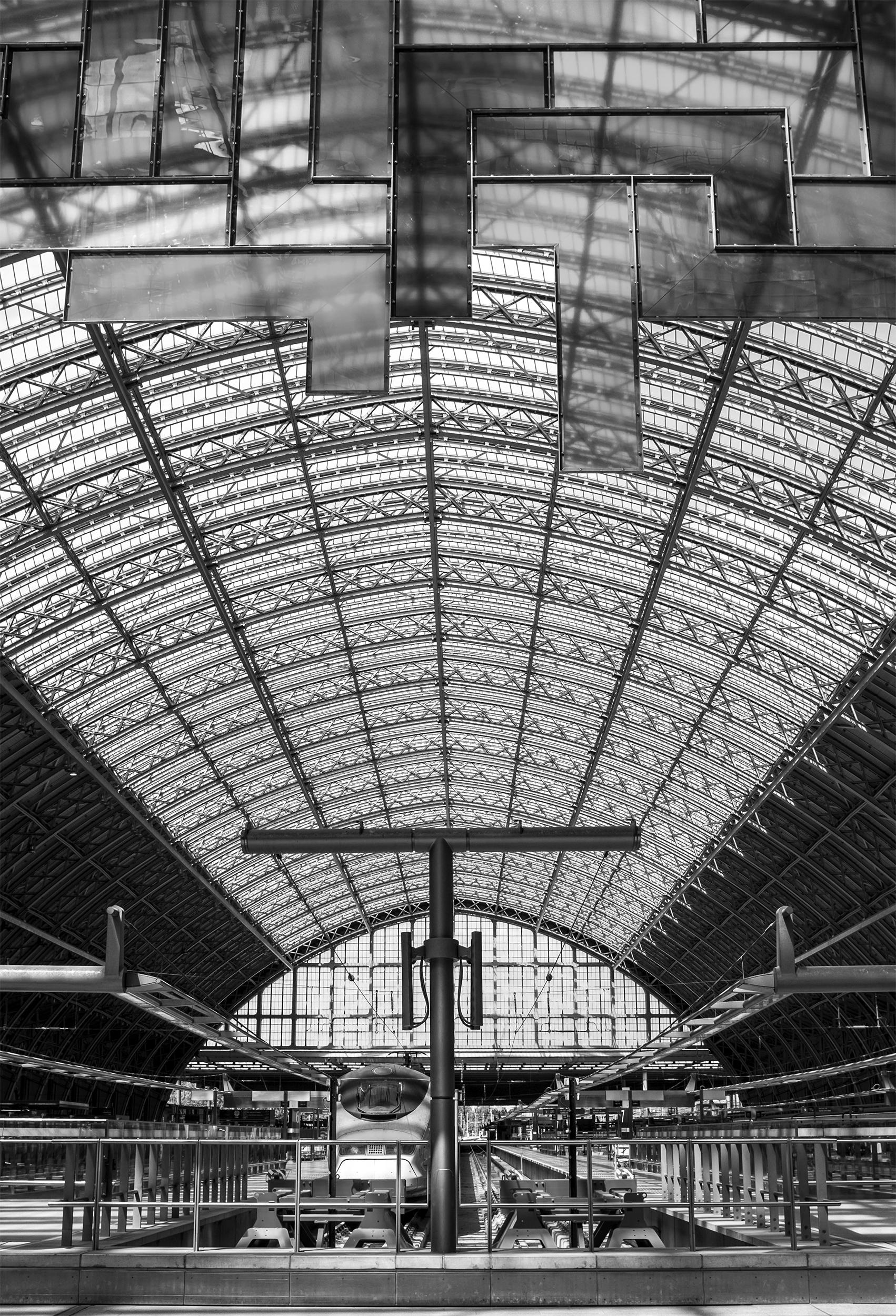 St. Pancras station, London, En - johnnyg_photography   ello