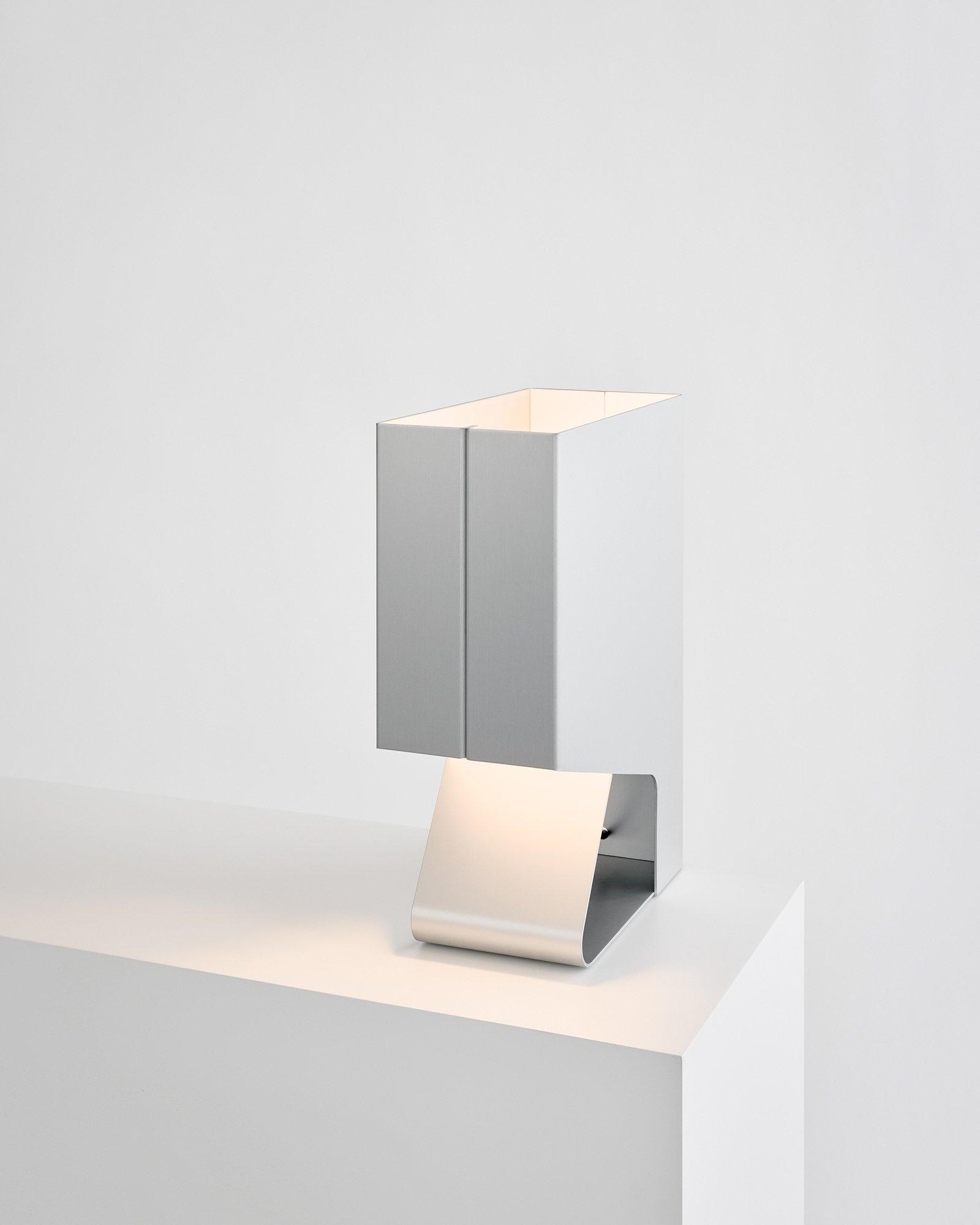 GT Lamp Garcia Tamjidi Architec - minimalissimo | ello