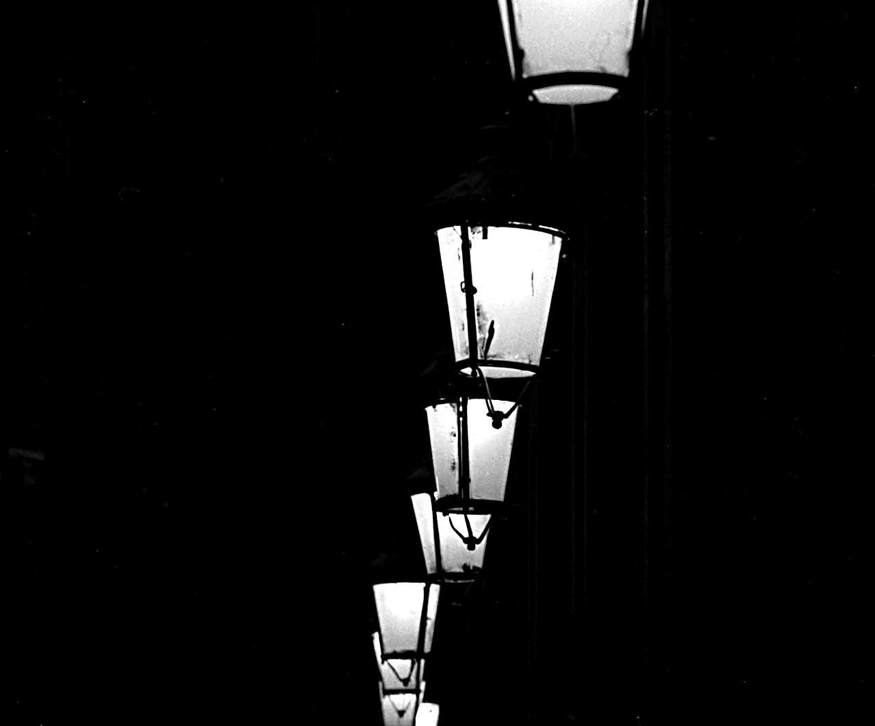 Plaça Reial, Barcelona - minimalismcontest - andrewld | ello